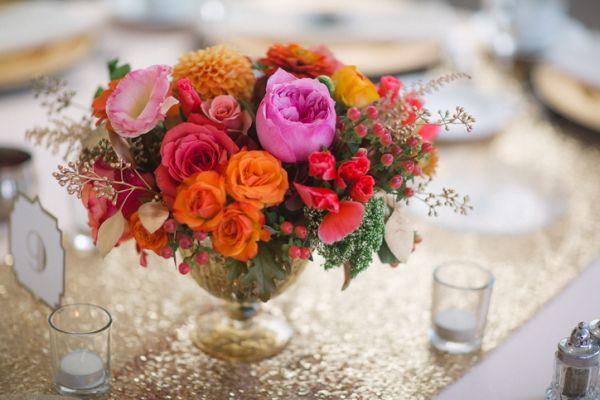 como-hacer-un-centro-de-mesa- flores-istock2