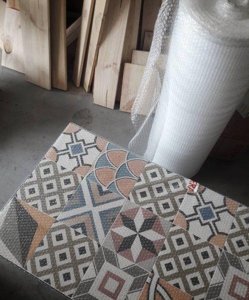 cuanto-cuesta-cambiar-el-suelo-de-la-terraza-porcelanica-instagram-a-manivela-mobles