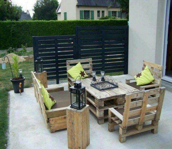 Muebles de jardín hechos totalmente de palets con respaldo alto