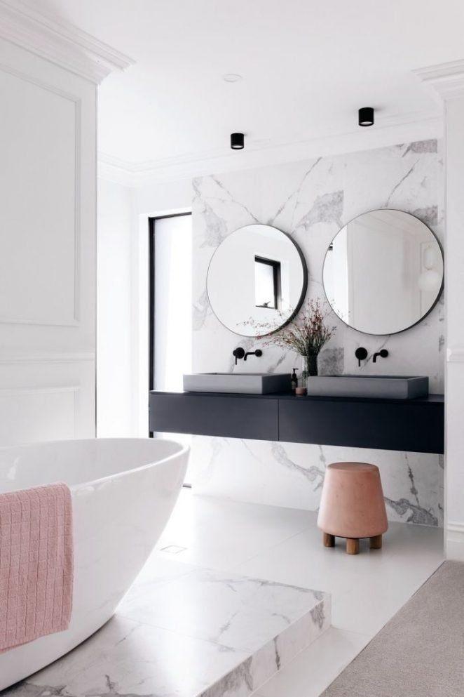 Un moderno baño de tocador como una caja suave
