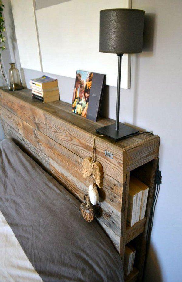 Un bonito cabecero con acabado encerado, con estantes y almacenamiento hechos con palets y cajas de manzanas